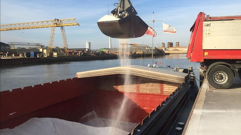NPRC schip lost zout in Kampen